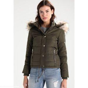 Topshop Nancy Olive Puffer Jacket
